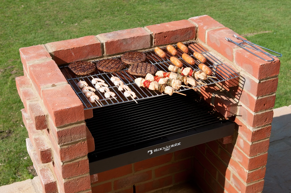 how to build a smoker grill brick